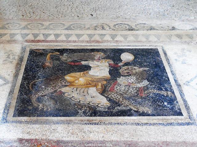 Mozaika z motywem Dionizosa na grzbiecie pantery Delos Grecja