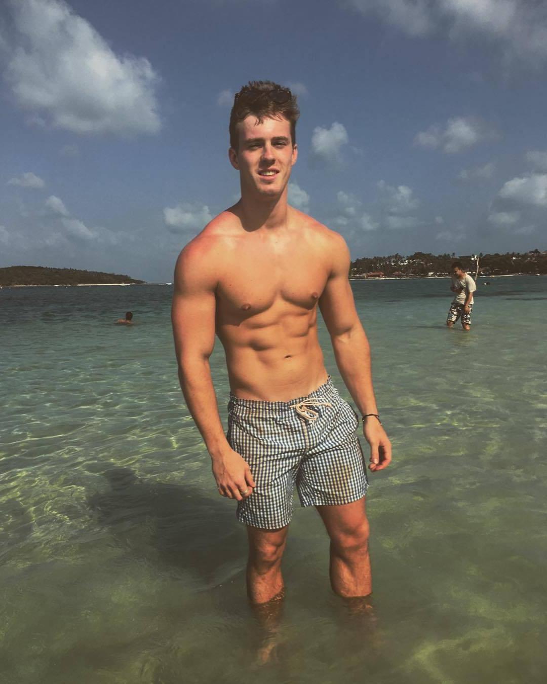 long-hot-summertime-guys-fit-shirtless-body