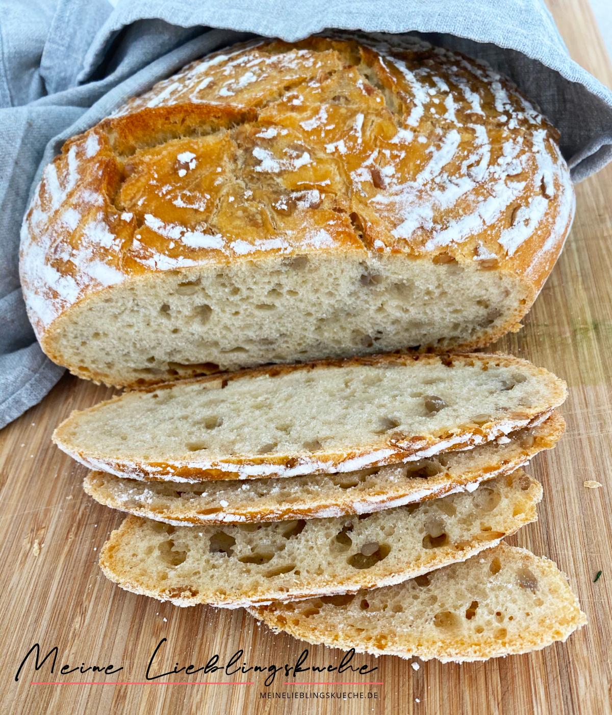 Weizen-Dinkel-Brot mit Sonnenblumenkernen