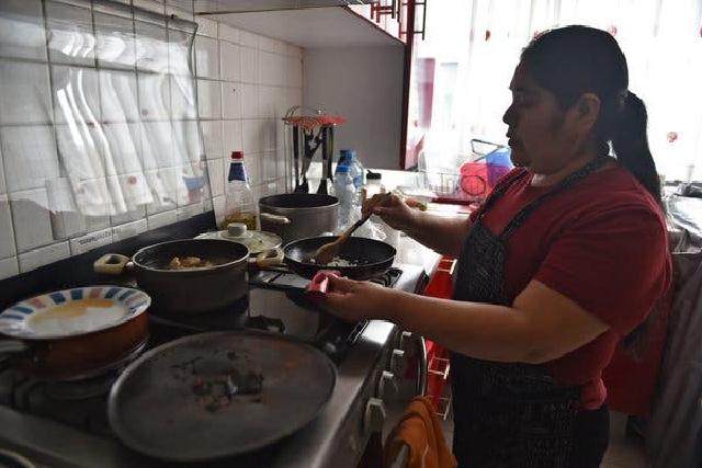 Trabajadoras domésticas sin seguridad social y golpeadas por el desempleo en un año de pandemia
