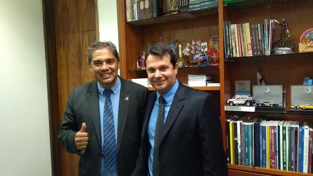 Brasília e Reguffe passaram a admirar Hélio José