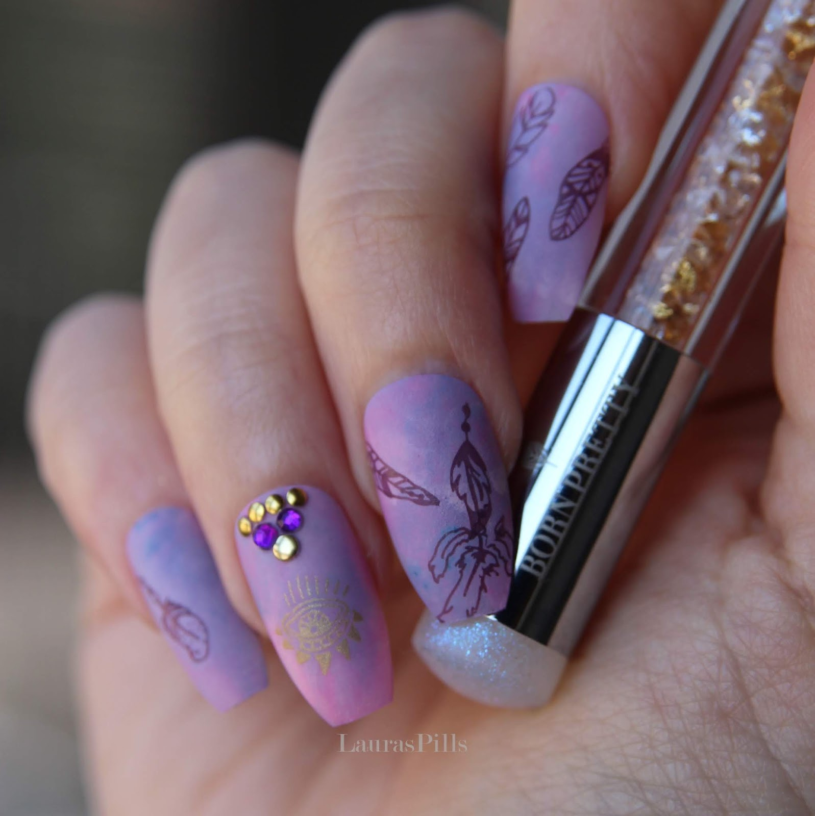 Lauras Pills Boho Feather Nail Art With Stamping Pen