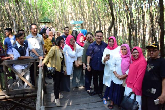 Pj Bupati Sinjai Takjub Melihat Hutan Mangrove Tongke-tongke