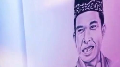 Unggah Lukisan Wajahnya, UAS Disentil Netizen: Bukankah Lukis Makhluk Bernyawa Tak Boleh dalam Islam?