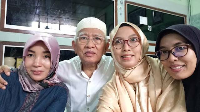 Putri Gus Mus Meradang Nama Ayahnya Dicatut untuk Lawan FPI: Buzzer Pak Jokowi, Stop It!