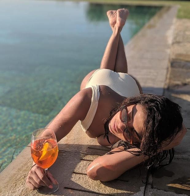 priyanka chorpa looks so hot in monokini