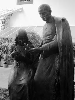 Padre Anchieta e Uma Índia no Pateo do Collegio, em São Paulo