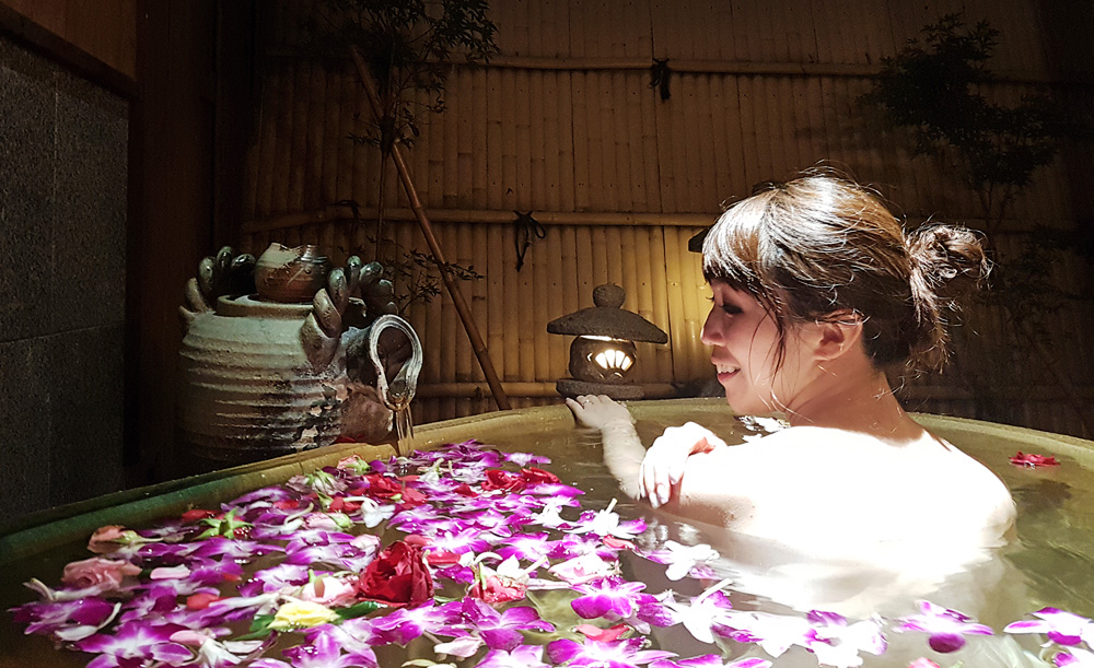Private open-air flower bath at Yuraku Kinosaki Spa & Garden - Hot Springs of a Lifetime in Kinosaki Onsen (Japan Travel)