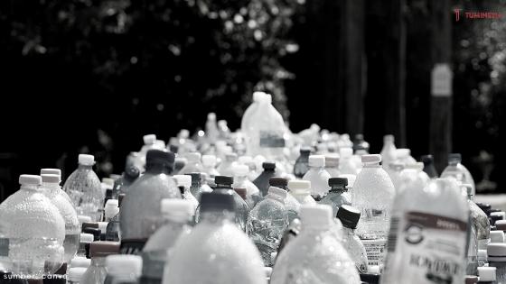sehat aqua, botol minum, botol daur ulang, plastik daur ulang, air mineral, pecinta alam, botol plastik