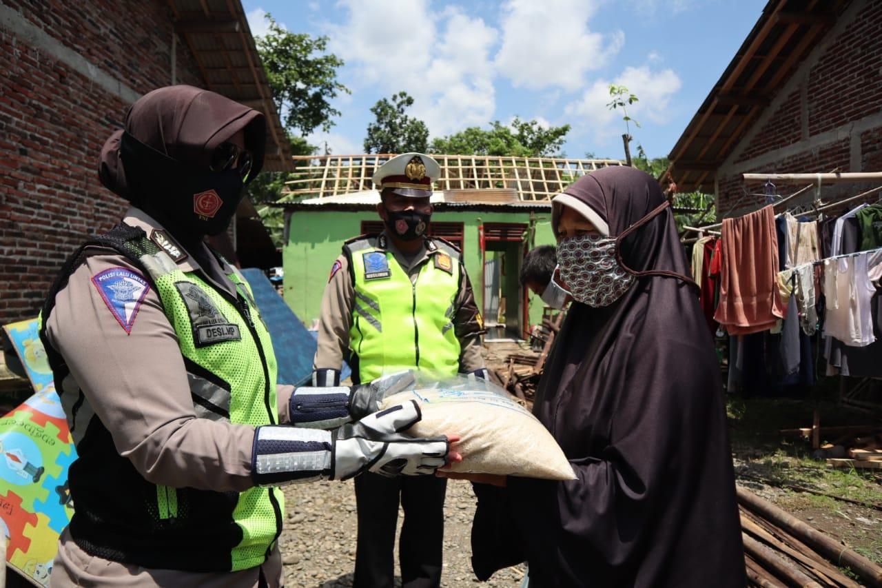 Polantas Peduli Polres Purbalingga Berikan Bantuan Korban Bencana Alam
