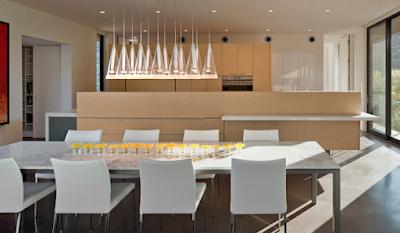 desain ruang makan putih