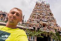 Arkadij am Sri Kandaswamy Kovil Temple.
