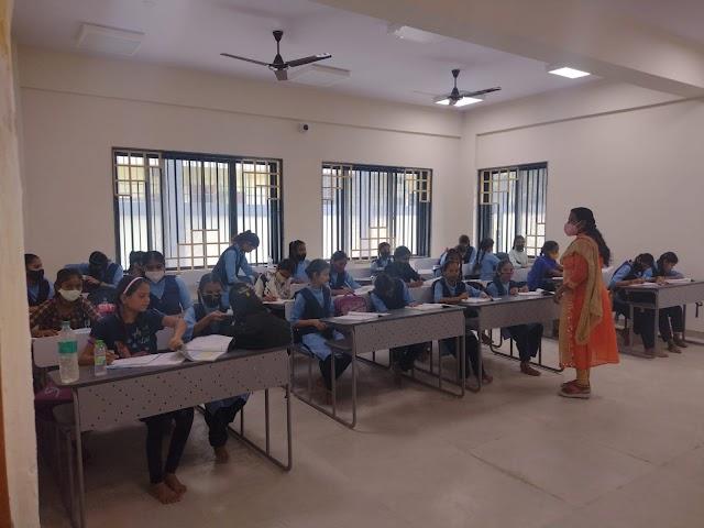 गणेश नगर स्कूल भवन में आज से मिडिल की कक्षा हुई प्रारंभ | Ganesh nagar school bhavan main aaj se middil ki kaksha hui prarambh