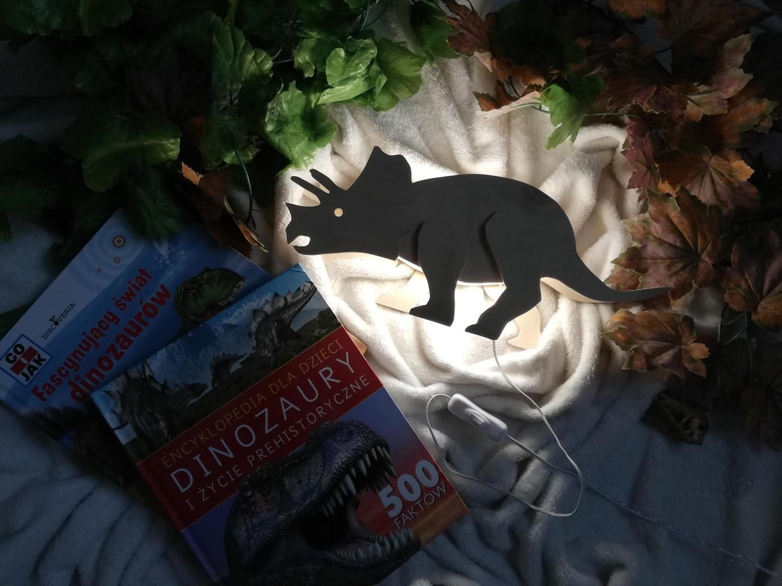 TILO i nocna lampka w kształcie triceratopsa