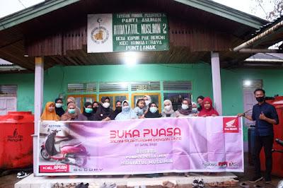 Bersama Hijabers Astra Motor Kalbar Rayakan Bukber dengan Pondok Pesantren Hidayatul Muslimin