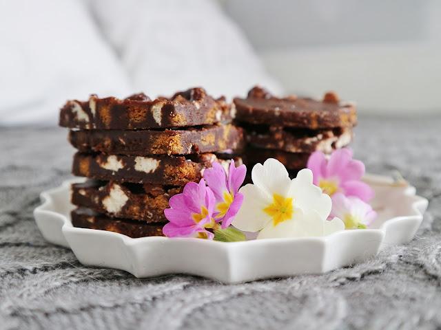 Recette / Spéculoos et meringues pour un dessert chocolaté /