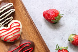 ★★★★★ | HEART-SHAPED CHOCOLATE COVERED STRAWBERRIES