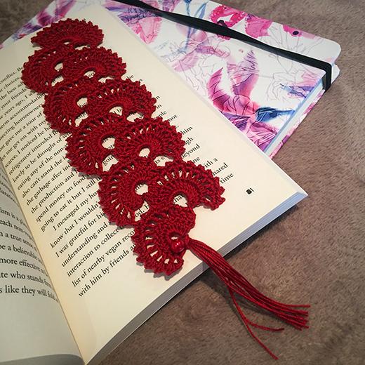 Crochet Fan Bookmark Free Pattern designed by Crochetroo