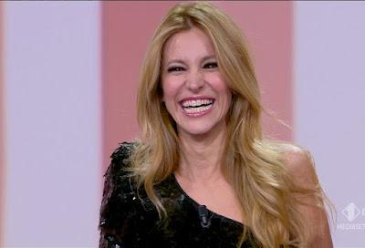 Adriana Volpe foto viso sorriso ride le iene