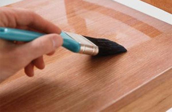 Lấy lại độ sáng bóng cho gỗ