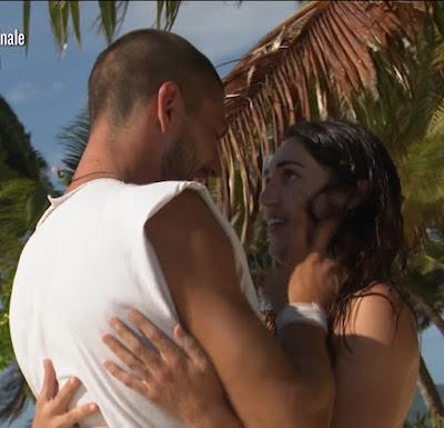 Cecilia Rodriguez e Ignazio Moser si abbracciano Isola Dei Famosi 7 giugno 2021