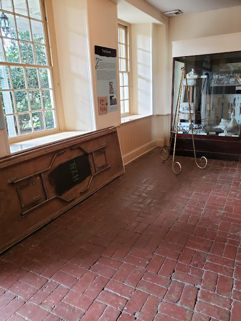 The Washington Brick Room