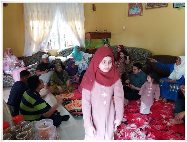 Koleksi gambar-gambar hari raya keluarga Shikinrazalidotcom