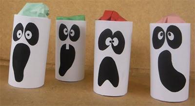 Fantasmas halloween con rollos de carton