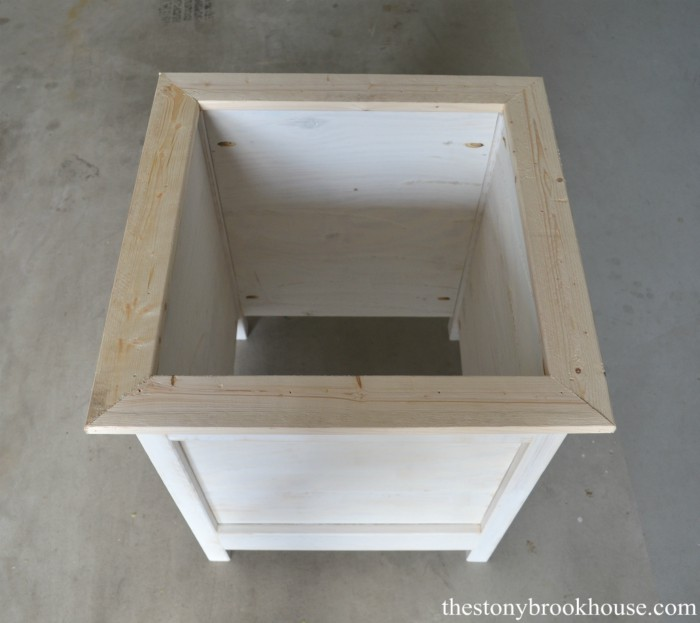 Planter top framed