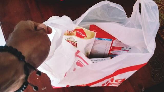 Indomaret dan Alfamart di Lumajang Dilarang Sediakan Kantong Plastik