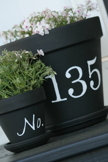 Chalkboard Number Pots #planter #chalkboard #outdoorplanter #planterboxes #outdoor @SimplyDesigning
