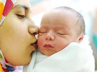 Bahaya Mencium Bibir Anak dalam Islam