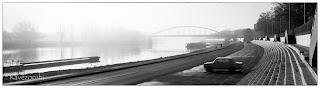 Szegedi rakpart háttérben a Belvárosi Híddal
