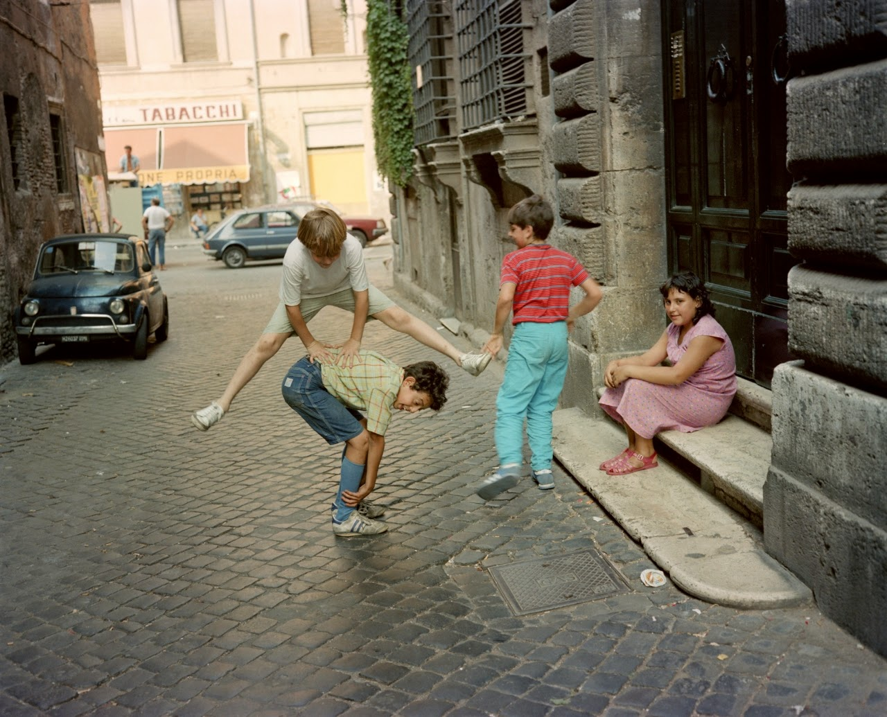 15 Wonderful Color Photographs Captured Everyday Life in Italy in the Early 1980s  vintage everyday