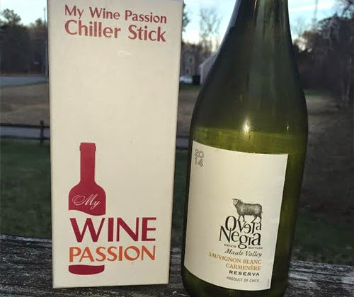 My Wine Passion Chiller Stick with Oveja Negra Sauvignon Blanc / Carmenere 2014 Reserva