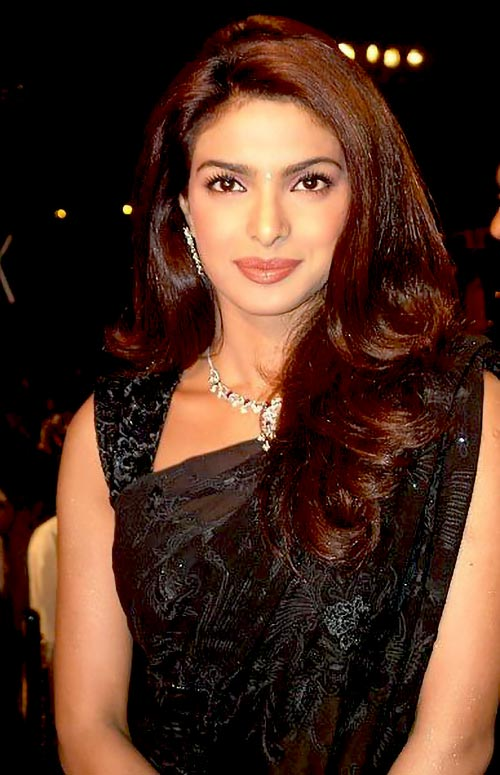 bollywood actress priyanka chopra rare old photo in saree