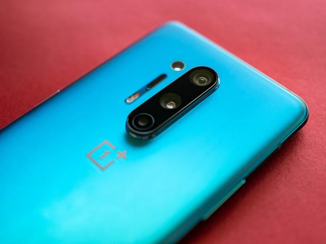 China phone oneplus के लिए कुछ भारतीयों ने देशभक्ति बेच दी.