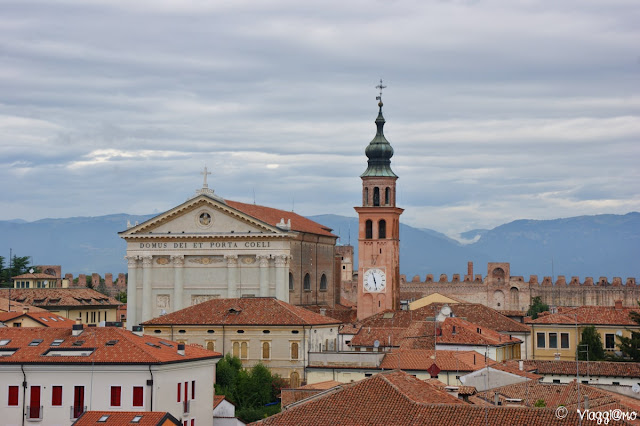 Duomo e campanile visti dal Camminamento di Ronda