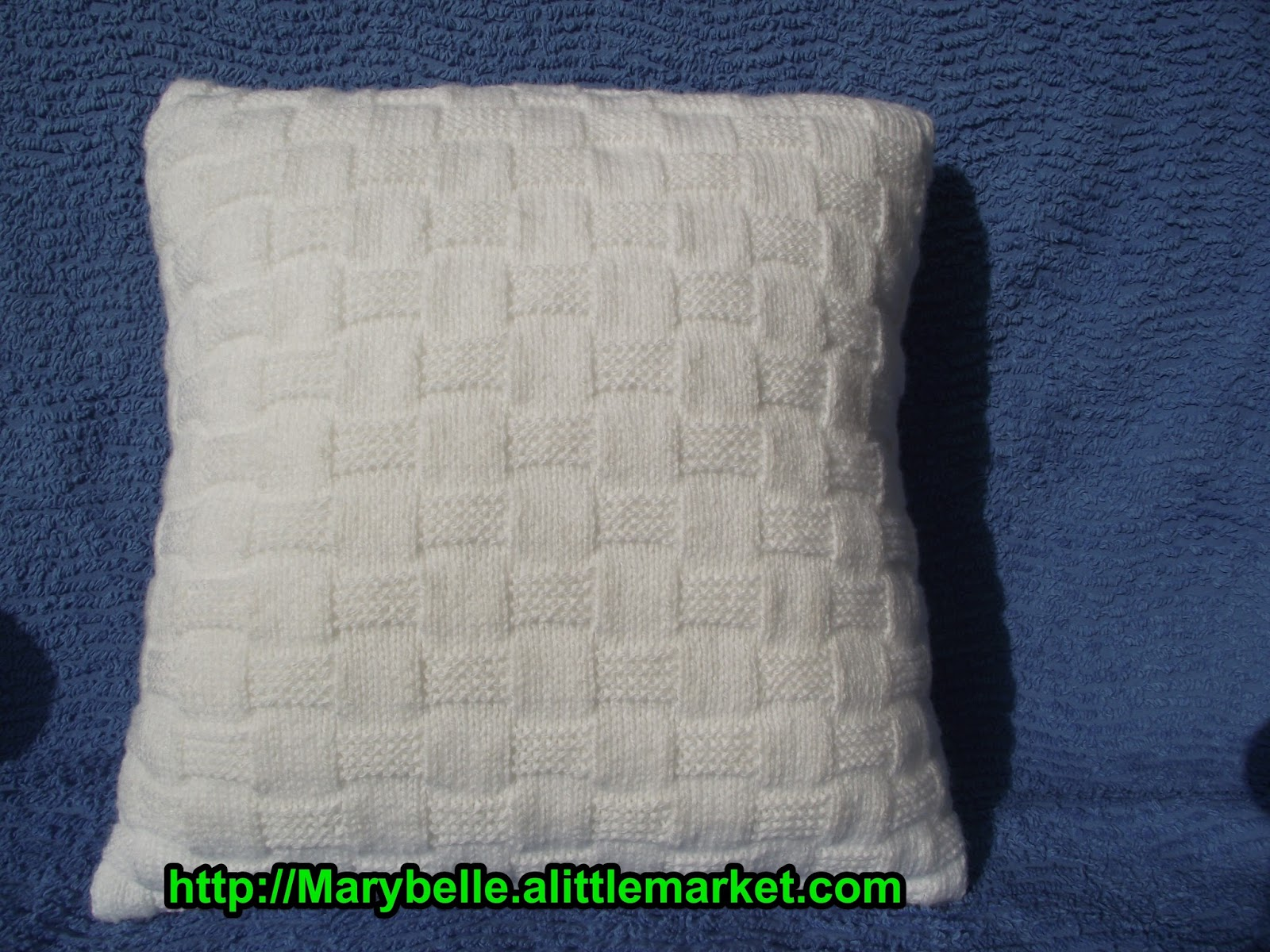 crochet et tricot facile avec explications coussin tricot damiers. Black Bedroom Furniture Sets. Home Design Ideas