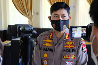 Personil Polda Sulsel Bersama TNI Terus Aktif bantu Nakes lacak kontak pasien COVID-19