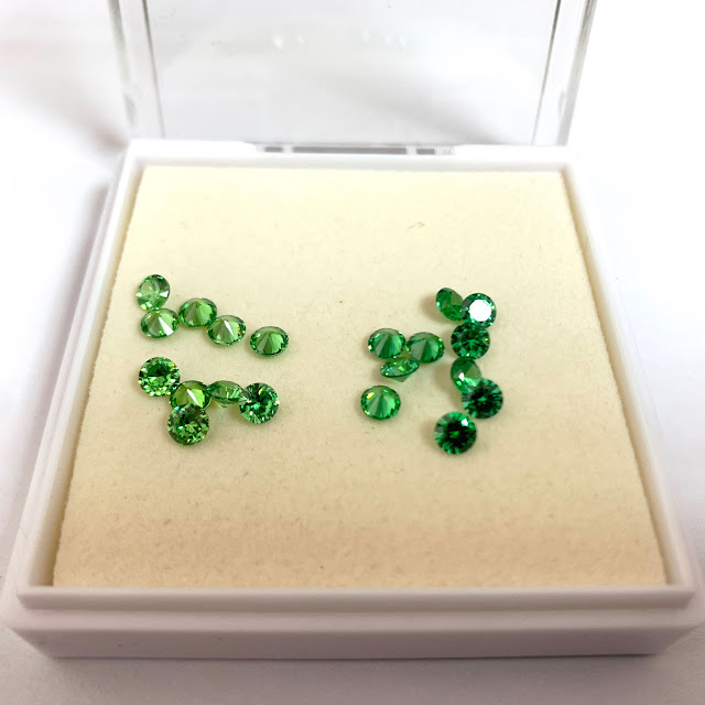 Cubic-Zirconia-Emerald-Green-Light-color-VS-Dark-color-shade-FU-RONG