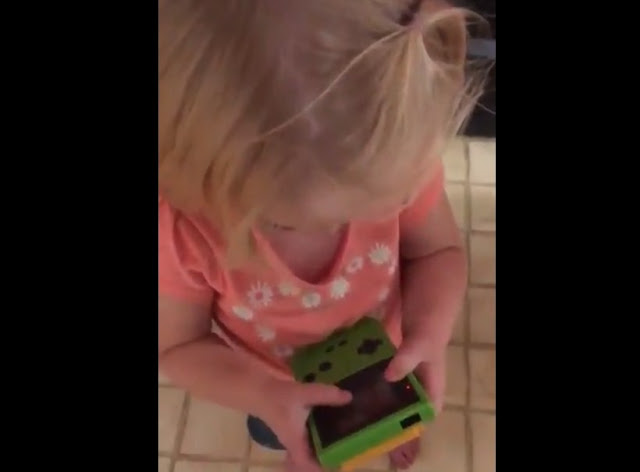 viral-video-The-video-of-a-girl-with-a-Game-Boy-that-will-make-you-feel-much-older,videos,viral video,viral videos,funny videos,new viral video