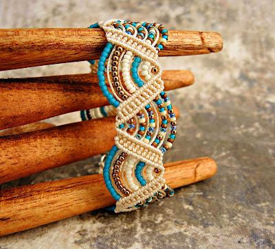 Beaded macrame bracelet in beach colors.