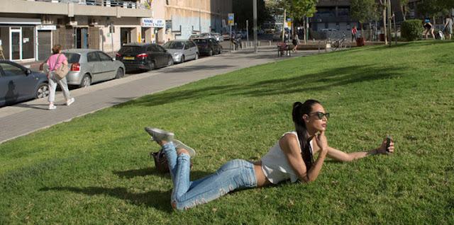 صور| عربية متحوّلة جنسيًا تسعى لتلميع الكيان الصهيوني .. شاهد  ماذا قالت عن العرب وعن عائلتها؟