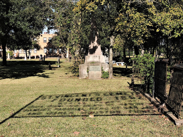 Dick Dowling burial site at St. Vincent's Cemetery