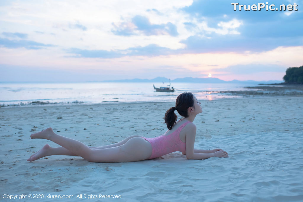 Image XIUREN No.2340 - Chinese Model Shen Mengyao (沈梦瑶) - Sexy Pink Monokini on the Beach - TruePic.net - Picture-3