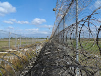 Gefängniszaun