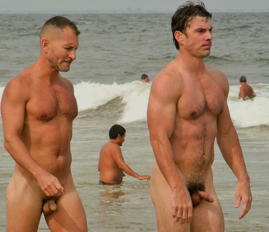 gay men porn Nude hunks beach naked