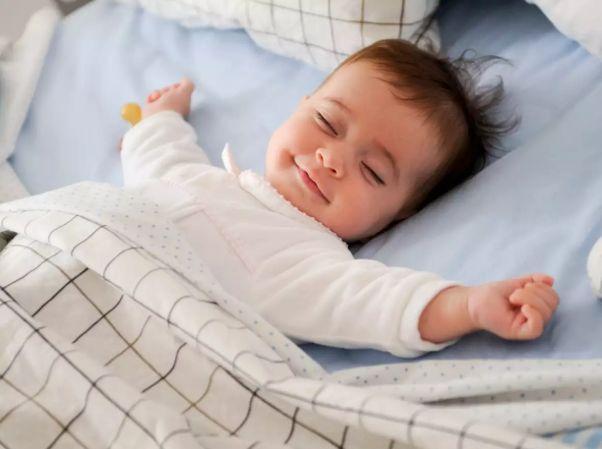 Kids who sleep on time make moms happier