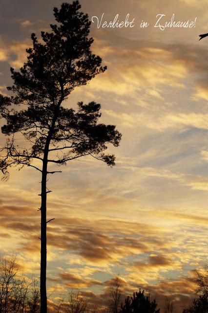 2in1 Fotoprojekt: Doppelbelichtung in Photoscape -Ausgangsbild 1 sind die Wolken im Himmel bei Sonnenuntergang